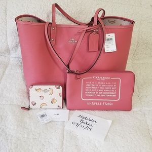 Coach reversible city tote/wallet NWT